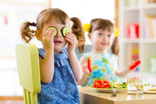 خوراندن سبزیجات به بچه ها