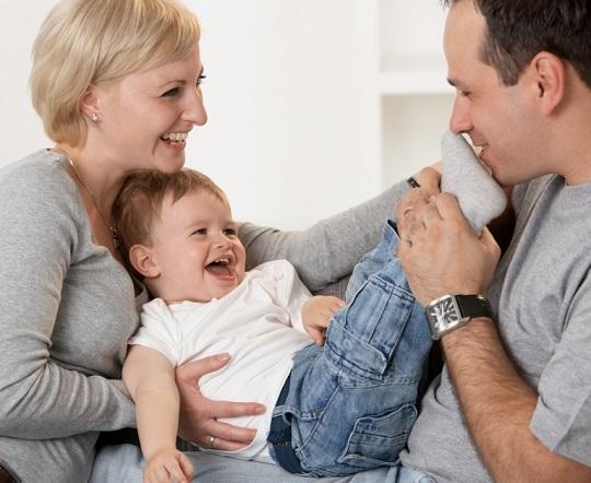 اسباب بازی های مناسب برای رشد نوزاد ١ تا ٣ ماهه