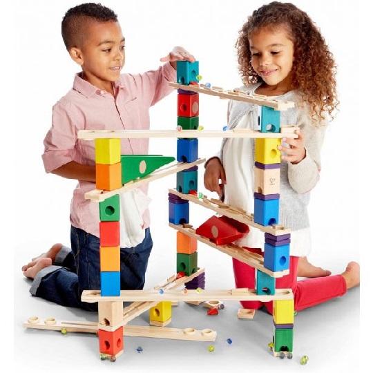 ضرورت بازی کودک و 10 بازی و سرگرمی کودکانه