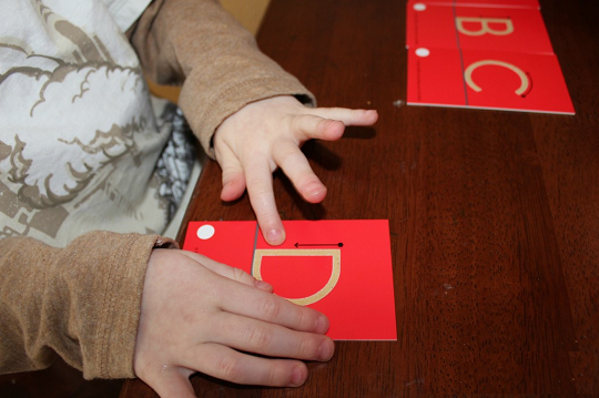 نحوه آموزش حروف الفبا با فلش کارد