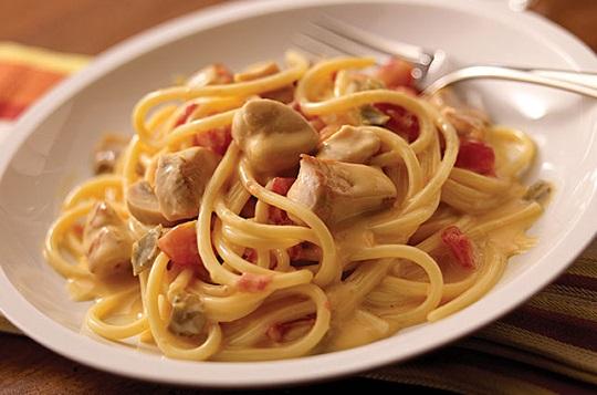اسپاگتی مرغ برای بچه ها