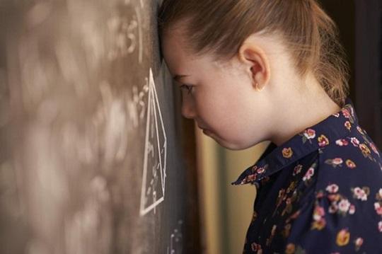 روش صحیح برخورد با اشتباه کودک