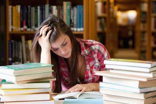 غلبه بر احساس تنهایی دانشجو
